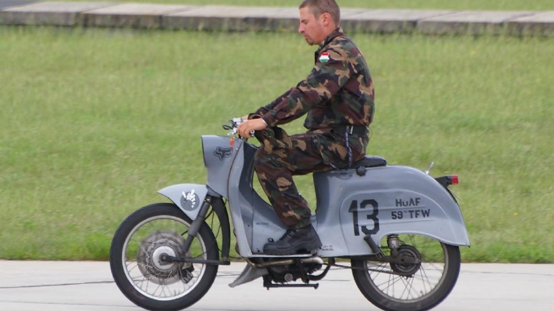Motorower węgierskich sił powietrznych