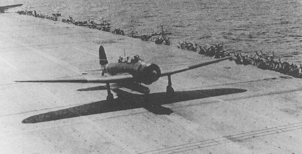 B5N2 startuje z lotniskowca Zuikaku do bitwy na Morzu Koralowym. (autor nieznany)