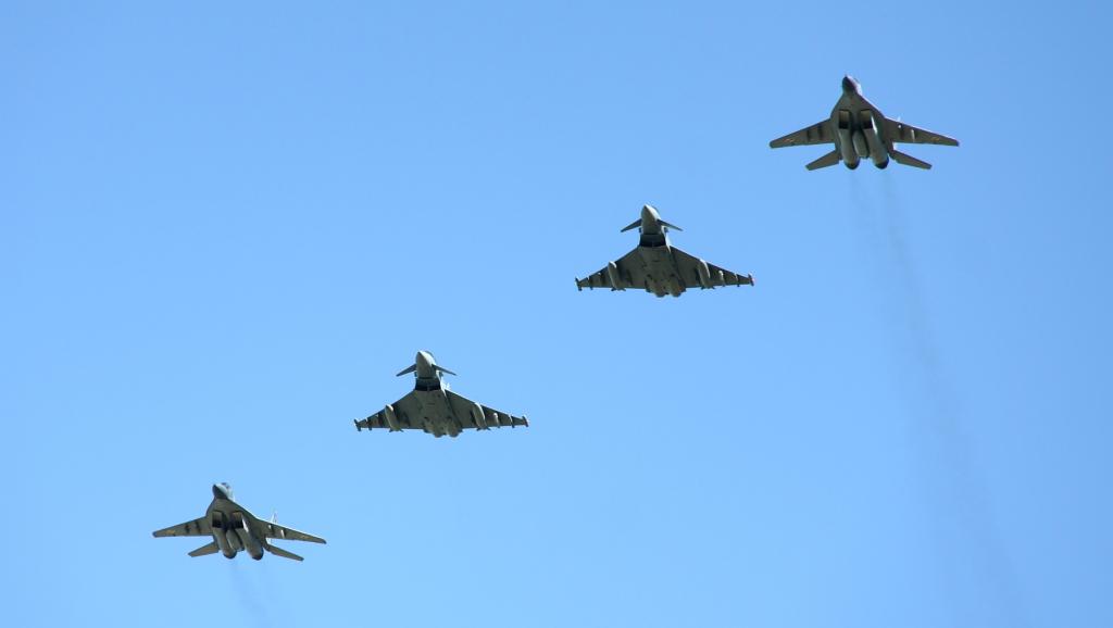 I jeszcze na koniec gorące podziękowania dla personelu 22. Bazy Lotnictwa Taktycznego – w szczególności dla majora Dariusza Mazurkiewicza – za wysiłki na rzecz przybliżenia codziennego życia naszych Sił Powietrznych opinii publicznej. (wszystkie zdjęcia: Łukasz Golowanow, Konflikty.pl)