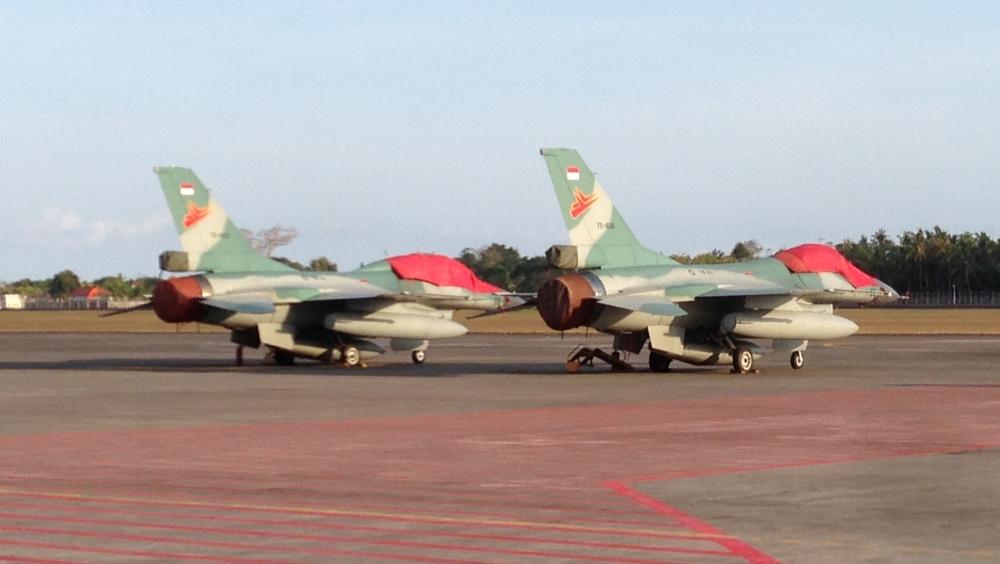 Indonesian_F-16_in_Ngurah_Rai_Airport