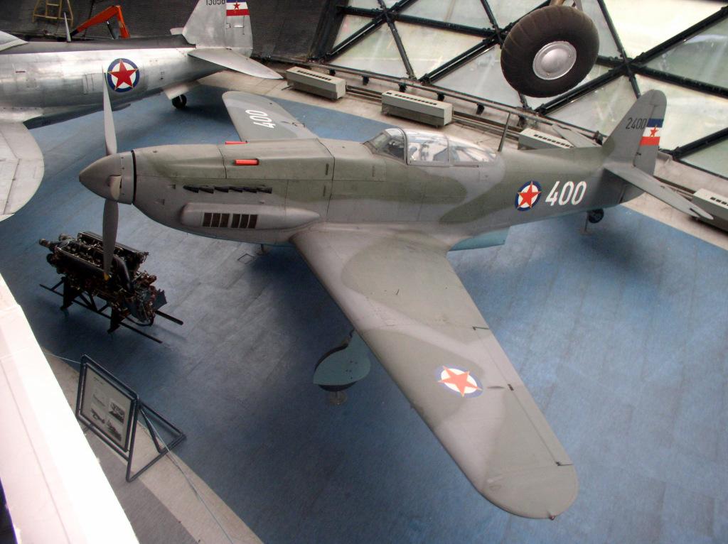 Na obu zdjęciach: S-49C w Muzeum Lotnictwa Jugosłowiańskiego w Belgradzie (fot. Belgrade Aviation Museum Photo Archive na licencji Creative Commons Uznanie autorstwa 3.0)