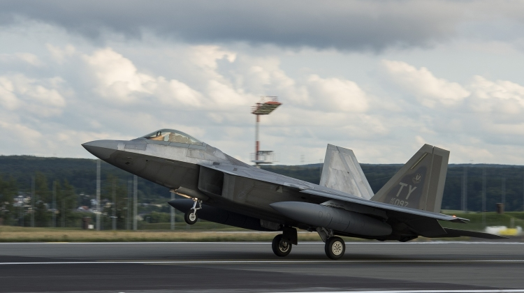 F-22 Raptors arrive in Europe