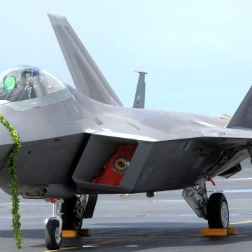 F-22_Hickam_AFB