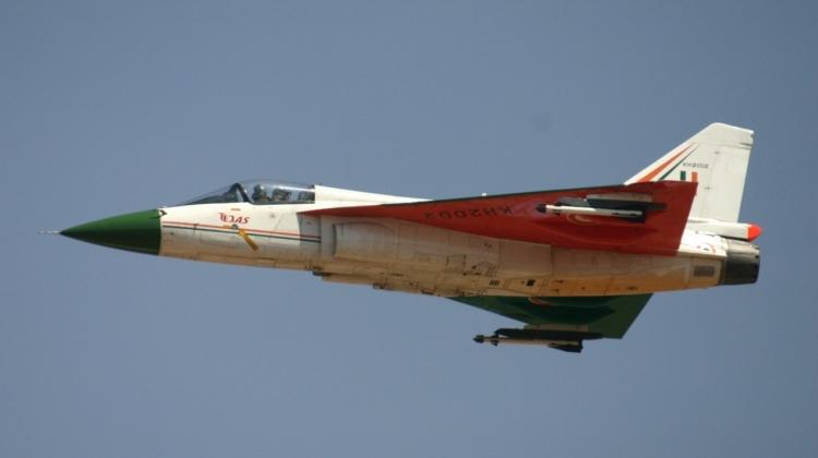 KH2002_HAL_Tejas_Indian_Air_Force_(8414594952)