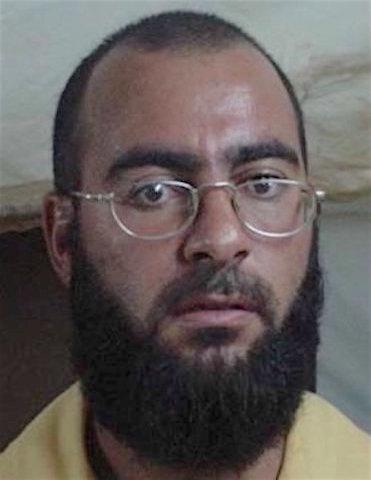 Abu Bakr al-Baghdadi w 2004 roku, gdy był w rękach Amerykanów (fot. US Army)