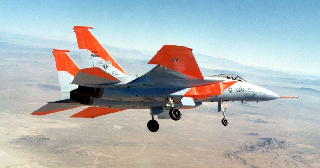 Dziewiczy lot pierwszego prototypu (fot. National Museum of the USAF)