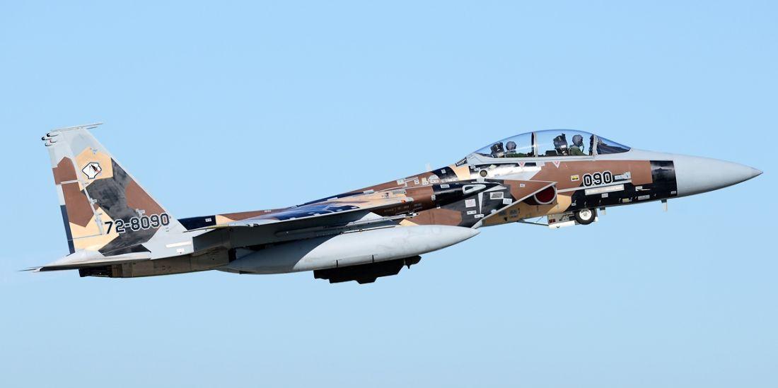 F-15DJ startuje z bazy Hyakuri (fot. Toshiro Aoki, www.jp-spotters.com, Creative Commons Attribution-Share Alike 3.0 Unported)