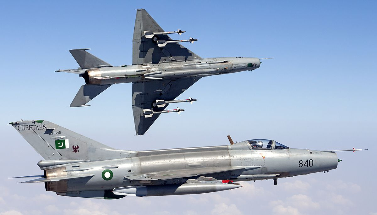 pakistan f-16 chengdu f-7pg