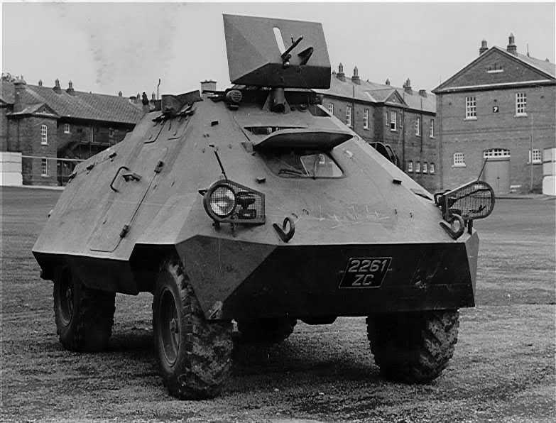 onz kongo | Oryginalnie przeznaczony dla wojska Konga Belgijskiego szwedzki transporter opancerzony Landsverk Unimog, używany w Kongu w latach 1960–1967 przez wojska ONZ i armię rządu centralnego – ANC  (fot. archiwum firmy Daimler)