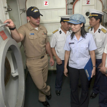 U.S. Navy photo by Mass Communication Specialist 2nd Class John L. Beeman