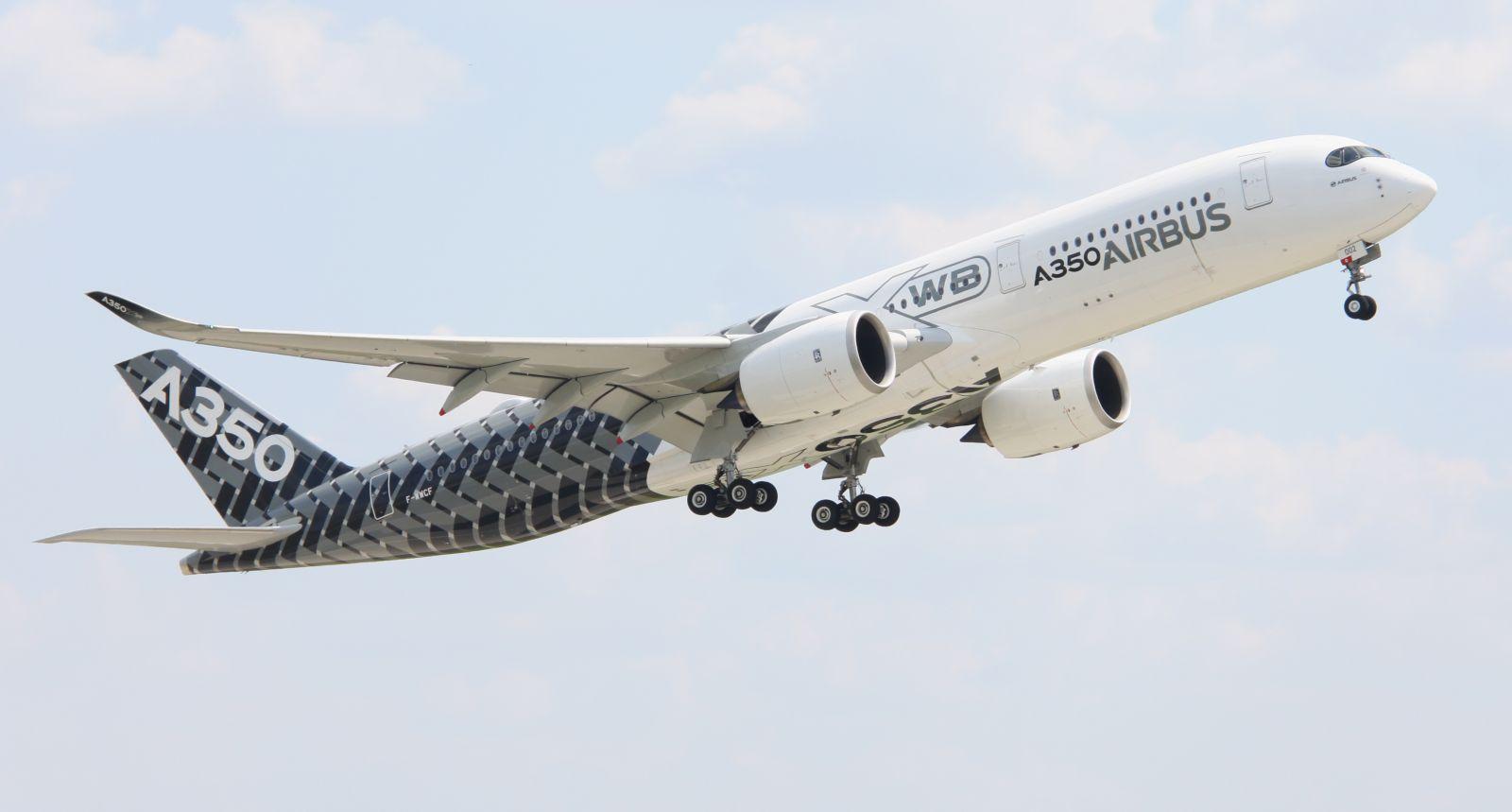 Airbus A350 XWB  (fot. Łukasz Golowanow, Konflikty.pl)