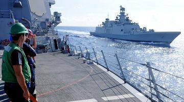 U.S. Navy/ Mass Communication Specialist 3rd Class Christopher Farrington