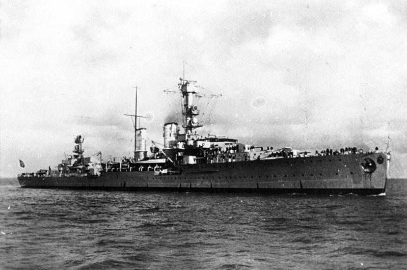Krążownik Emden w 1935 roku (Bundesarchiv, DVM 10 Bild-23-63-05 / CC-BY-SA 3.0)