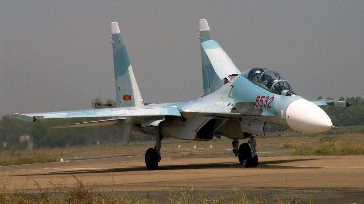 rosyjskie myśliwce owad wietnam su-30