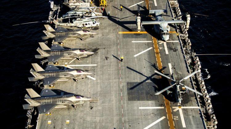 USS America jako lekki lotniskowiec
