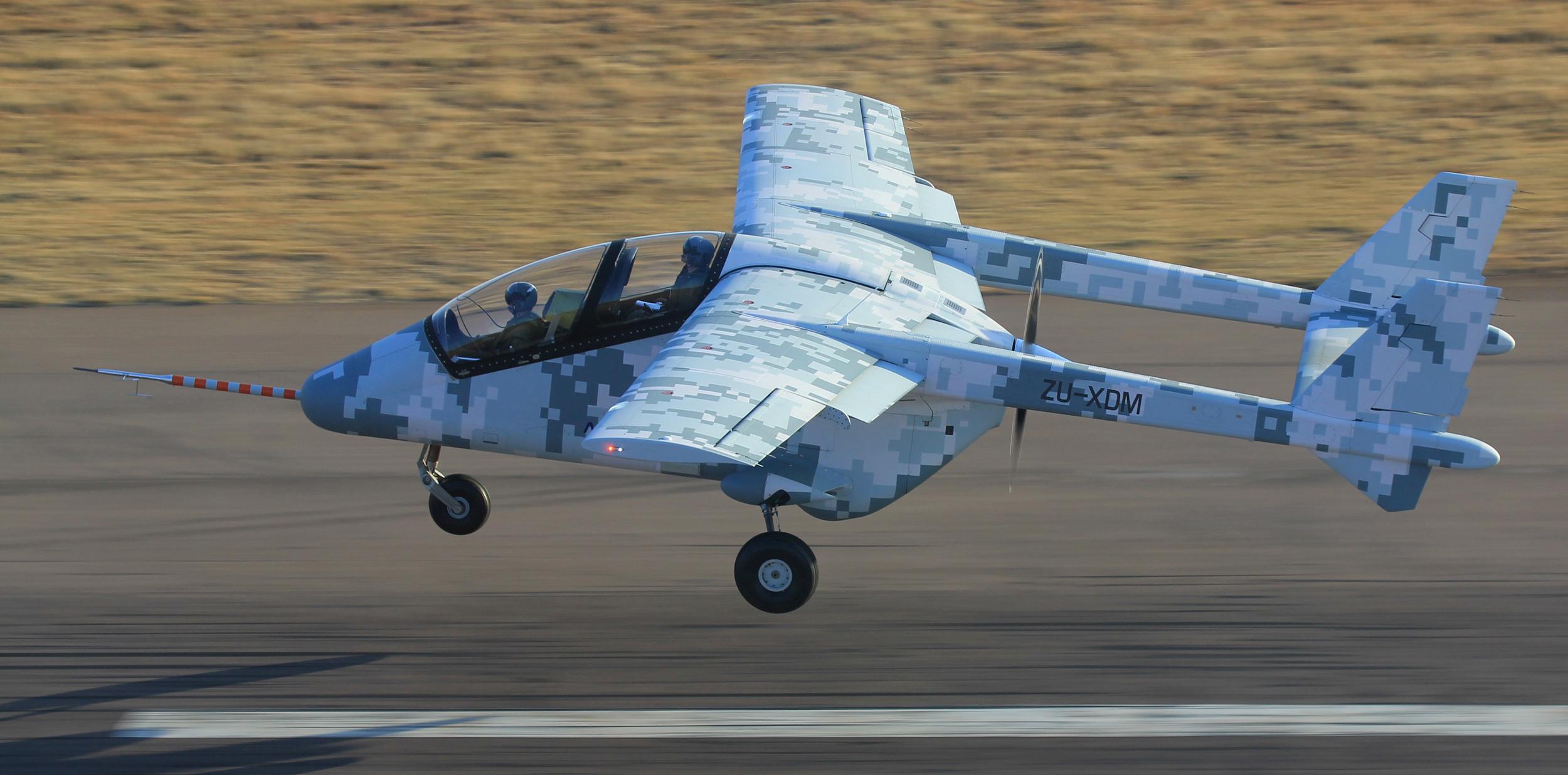 6 sierpnia 2014. Pierwszy prototyp AHRLAC-a startuje do drugiego lotu