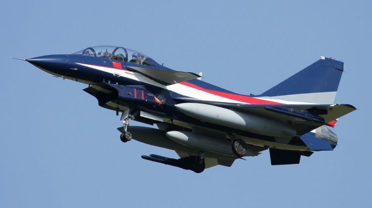 J-10 Pierwszy Sierpnia Yu Xu