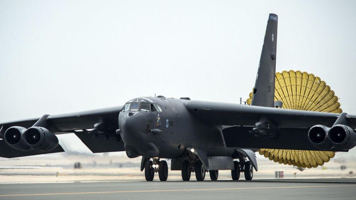 wymiana silników b-52