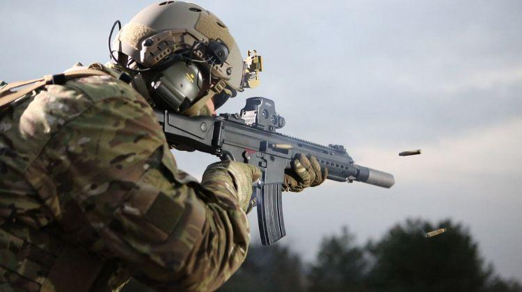 HK433