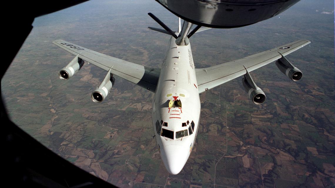 Lądowanie awaryjne WC-135C w Indonezji