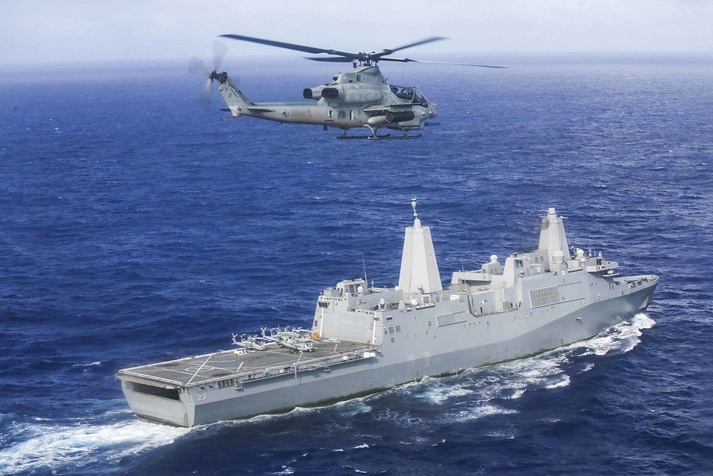 AH-1Z Viper eskadry VMM-161(R) nad USS Anchorage (LPD 23) (US Marine Corps / Sgt. Jamean Berry)