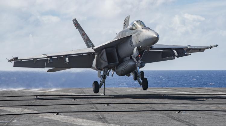 USS Carl Vinson otrzymał system JPALS