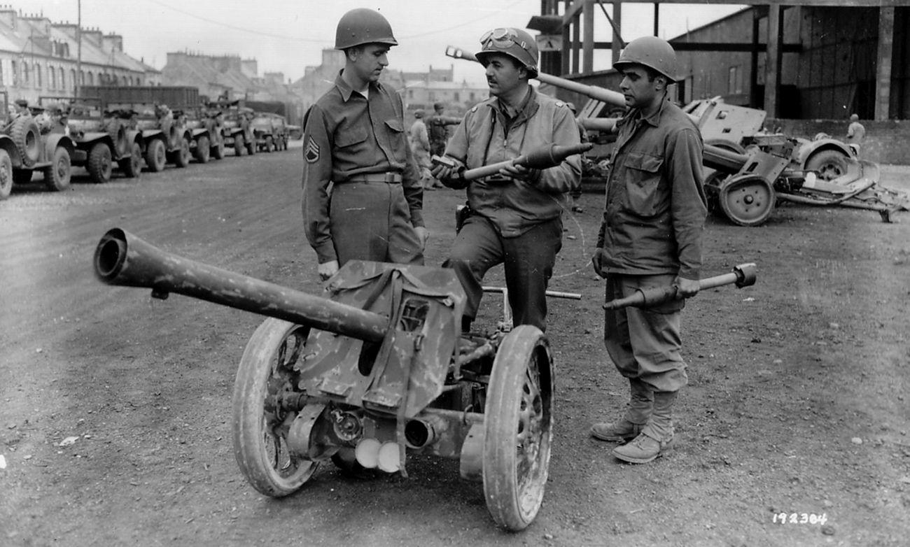 Männer gegen Panzer – film przeciwpancerny | Konflikty.pl | 8,8 cm Raketenwerfer 43 (zwany Püppchen, czyli Laleczka); egzemplarz zdobyty przez US Army (fot. National Archives USA)