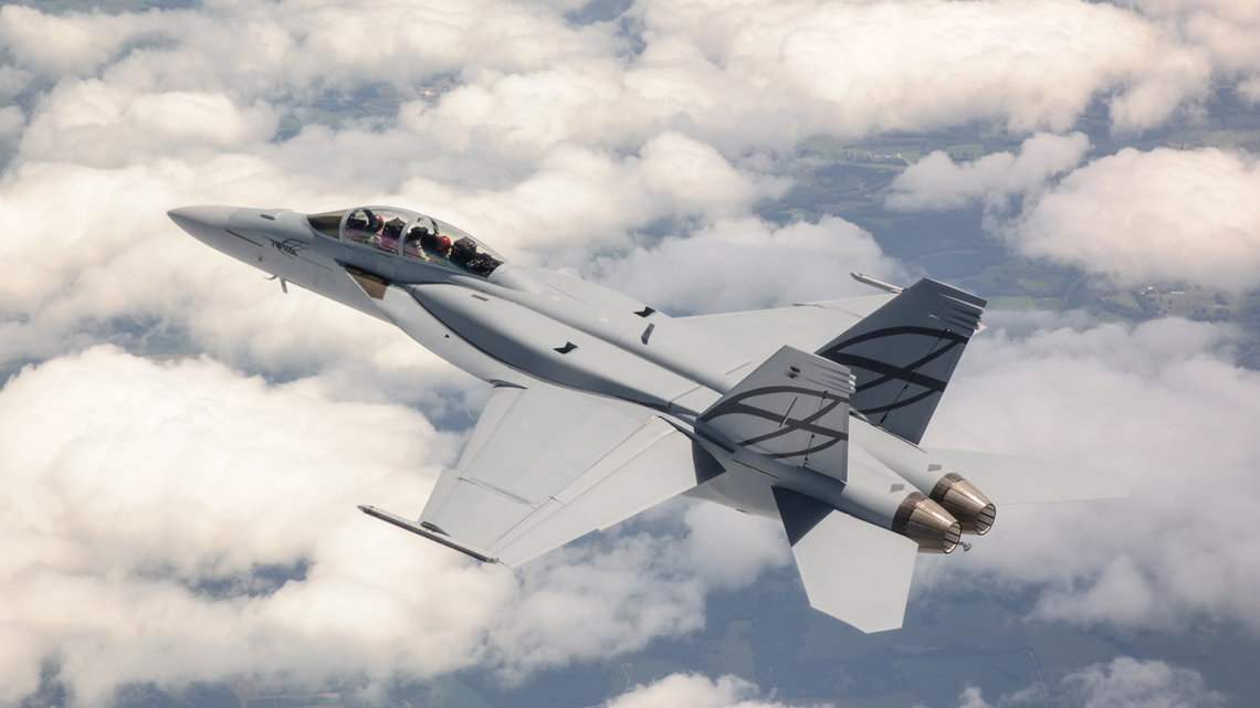 F/A-18 XT