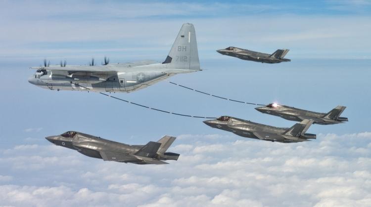 Lotnictwo US Navy i US Marine Corps – więcej, szybciej, lepiej?