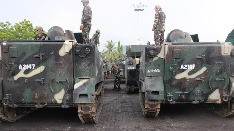 Navy_offloads_military_vehicles,_supplies_in_Iligan_City_1
