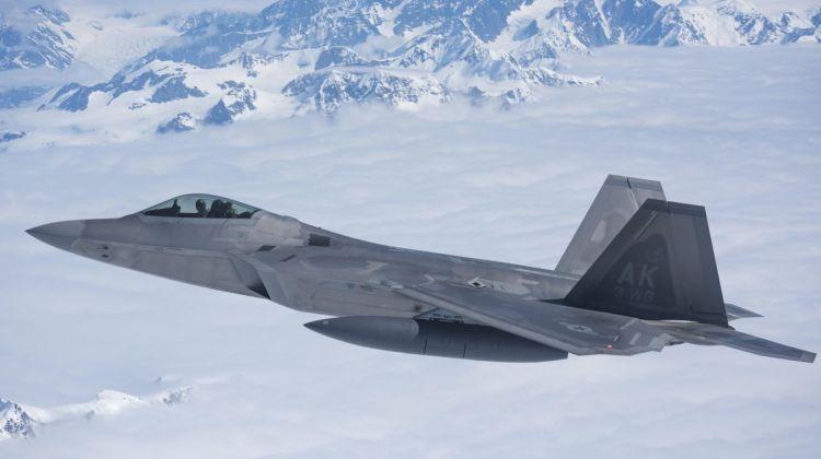 USAF testuje operacje rozproszone z udziałem F-22   Konflikty.pl