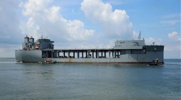 USS Lewis B. Puller wchodzi do służby w US Navy