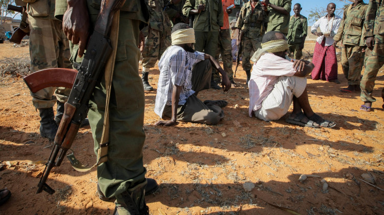 AMISOM_Combat_Engineers_search_for_IEDs_in_Kismayo_19_(8093700563)
