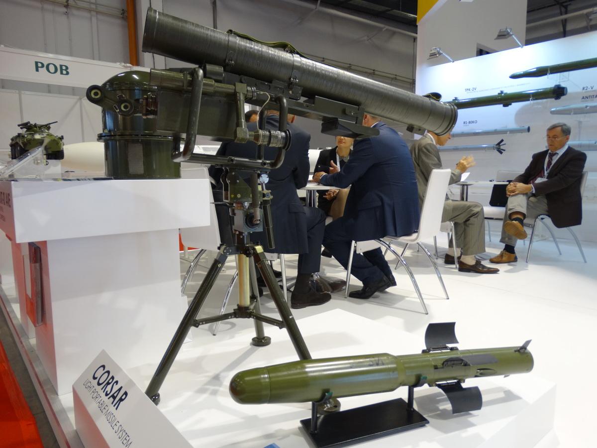 Przenośny system kierowanych pocisków przeciwpancernych Korsar o maksymalnym zasięgu 2,5 kilometra. Waży 18 kilogramów z czego 13,5 kilograma to masa pocisku