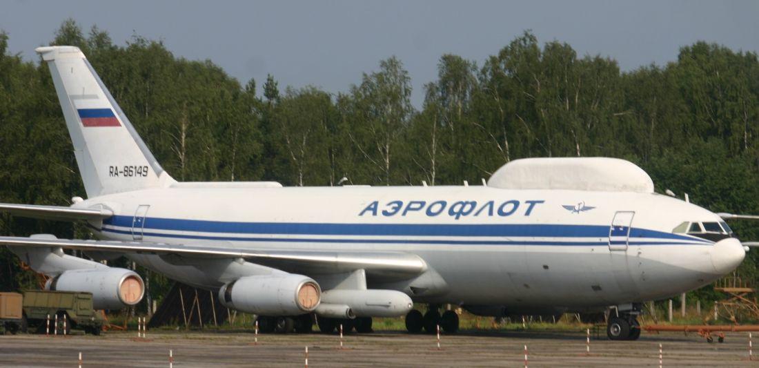 86149 to jedyny Ił-86, który wciąż nosi barwy Aerofłotu (początkowo, w charakterze kamuflażu, wszystkie egzemplarze nosiły malowanie cywilne) (fot. Aeroprints.com, Creative Commons Attribution-Share Alike 3.0 Unported)