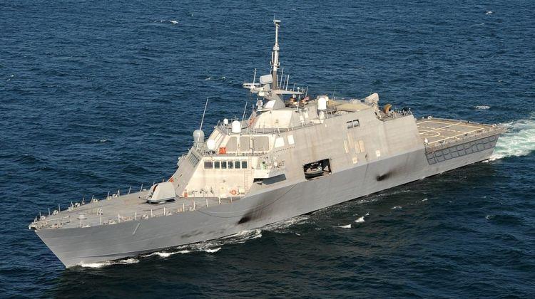 US_Navy_090928-N-7241L-232..._(cropped)