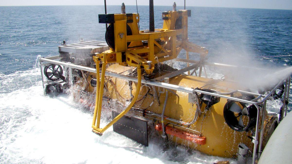 Moduł ciśnieniowy systemu SRDRS – następcy poczciwego DSRV w US Navy (fot. US Navy / Mass Communication Specialist 2nd Class Alexia M. Riveracorrea)