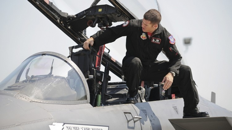 Strike Eagle, Fighting Falcon 'thunder' over Kentucky