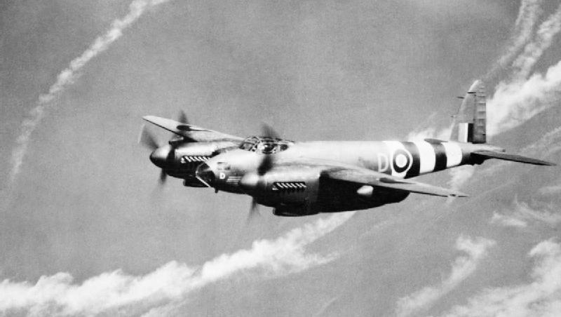 Mosquito PR Mk.XIX z 1409. Klucza (Meteorologicznego); zdjęcie z listopada 1944 roku (fot. CH 14467 – Imperial War Museums)