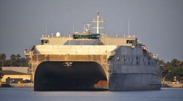 USNS_Spearhead_departs_Naval_Station_Mayport_130805-N-WA189-054