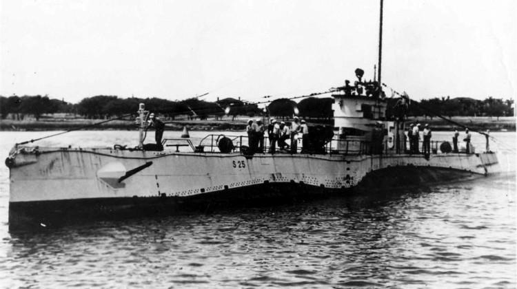 USS_S-25_(SS-130)_-_2