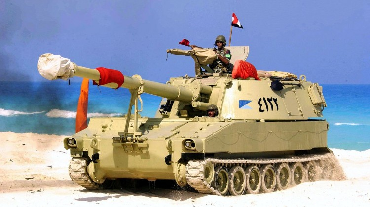 1280px-Egyptian_M109_during_Operation_Bright_Star_2005