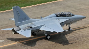 FA-50_Fighting_Eagle_First_delivery_1