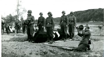 Narvafronten,_1944 wehrmacht pogrzeb
