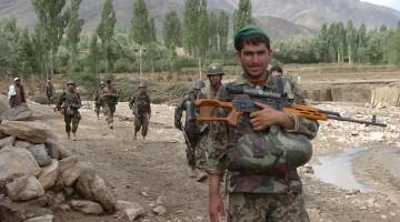 1280px-Afghan_soldiers_patrol