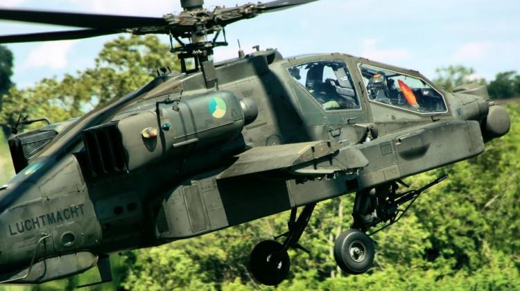 AH-64D_Apache_-_RIAT_2015_(23201006214)