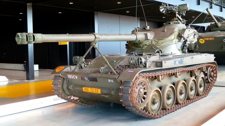 AMX_13_(17264395602)