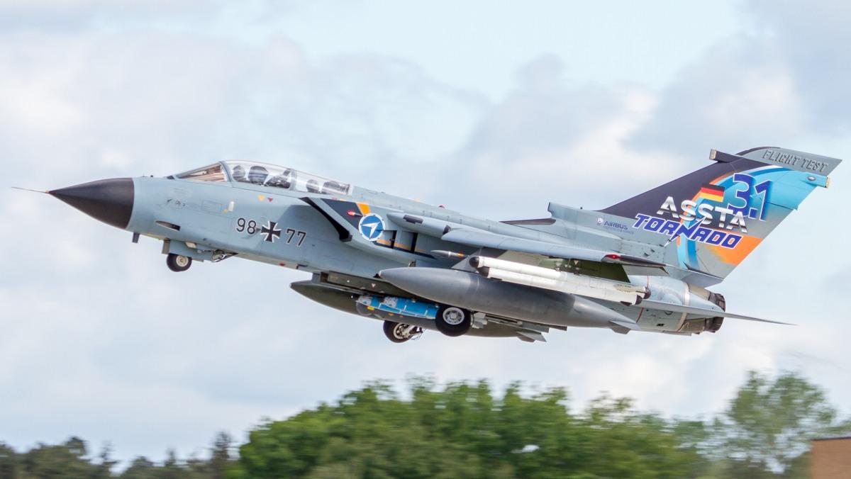 Tornado IDS w malowaniu reklamującym modernizację ASSTA 3.1