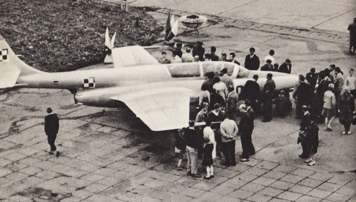 TS-11 Iskra