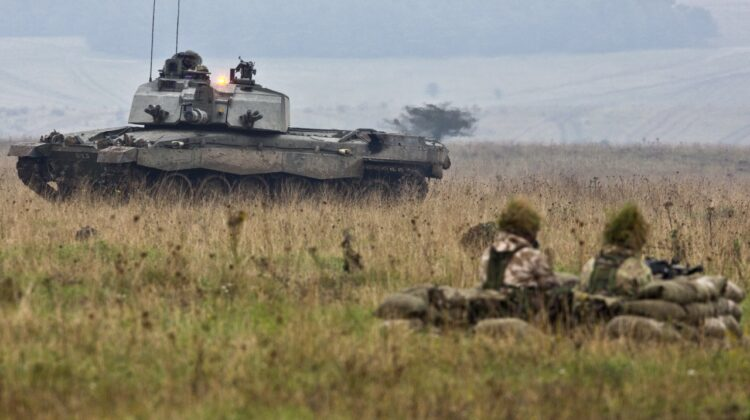 British Army jeszcze bardziej okrojona, za to lekko zamerykanizowana